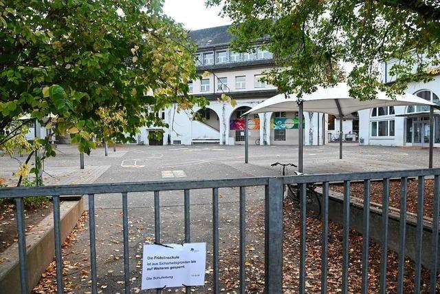 Marode Schule in Lörrach bleibt Montag doch zu – OB entschuldigt sich