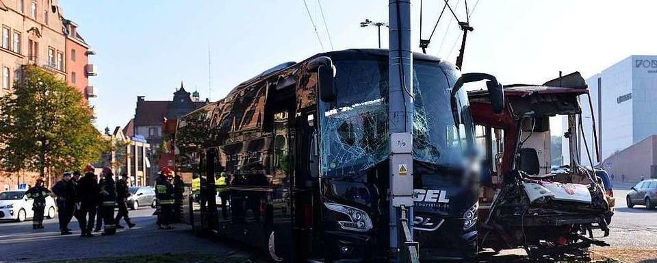 Nach dem Busunfall in Danzig ist ein Mann an seinen Verletzungen gestorben
