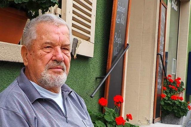 Dieter Fuchs steht mit 80 Jahren noch jeden Morgen in seiner Backstube in Altweil