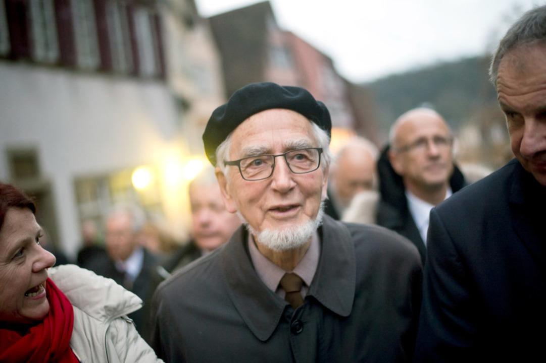 Im Jahr 2015 erhielt Eppler das Ehrenb...s SPD-Urgestein am Samstag verstorben.  | Foto: Daniel Naupold (dpa)