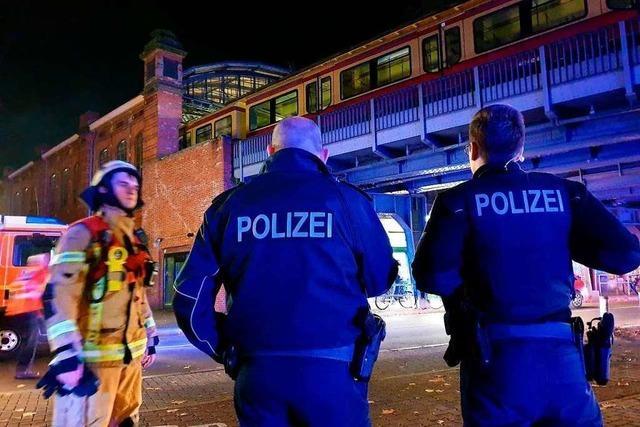 Feuer in Sonderzug mit Fans des SC Freiburg in Berlin – drei Verletzte