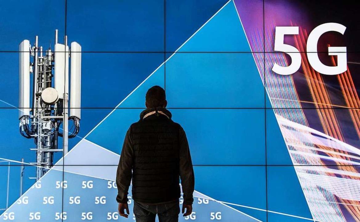 Der Ausbau des Mobilfunknetzes gilt als ausgemachte Sache (Symbolfoto).  | Foto: Boris Roessler (dpa)