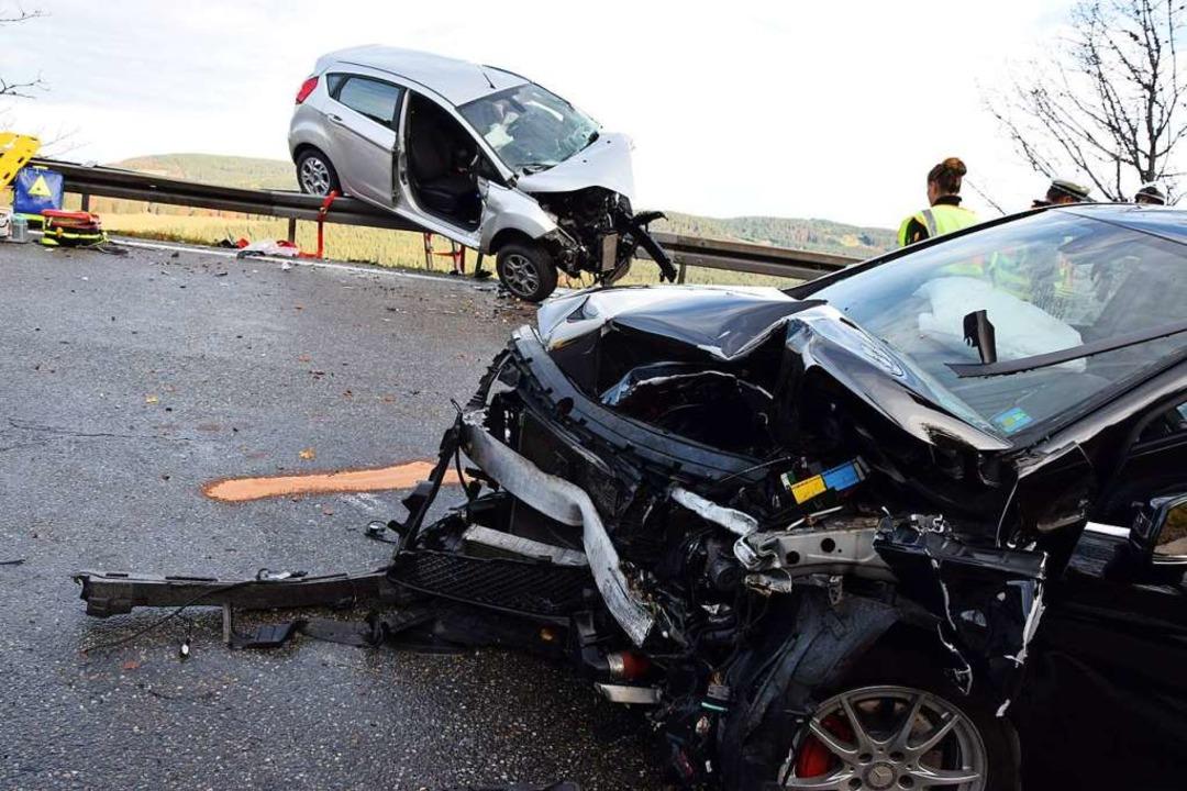 In dem anderen beteiligten Unfallfahrzeug wurde ein Mann verletzt.    Foto: kamera24