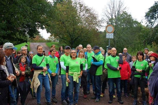 250 Teilnehmer beim Spaziergang gegen die Schutterparallele