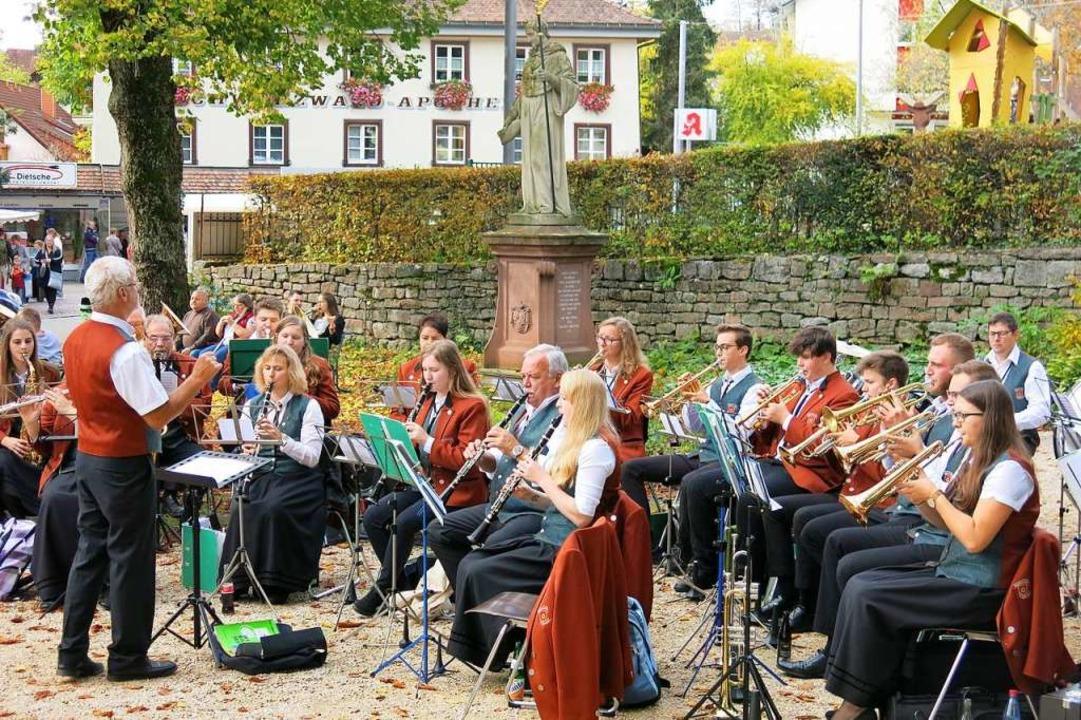 Der Musikverein Dillendorf sorgte im M...n für beste musikalische Unterhaltung.  | Foto: Erhard Morath
