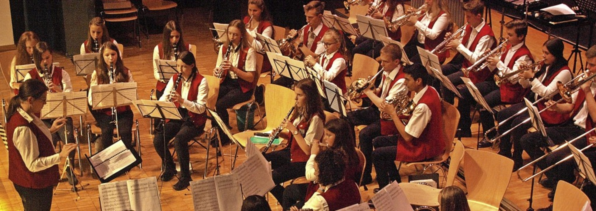 Die Jugendkapelle zeigte beim Herbstkonzert, wie Afrika klingen kann.   | Foto: Karin Stöckl-Steinebrunner