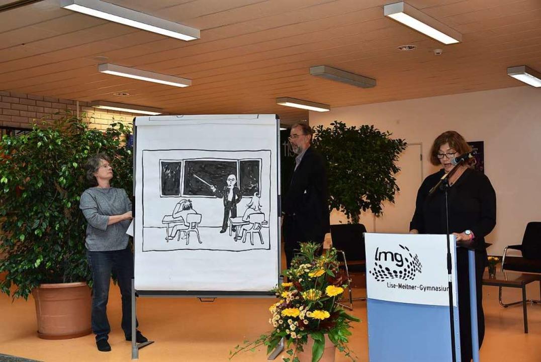 Einen illustrierten Rückblick auf 50 J...er aus der Sicht des Lehrerkollegiums.  | Foto: Heinz und Monika Vollmar