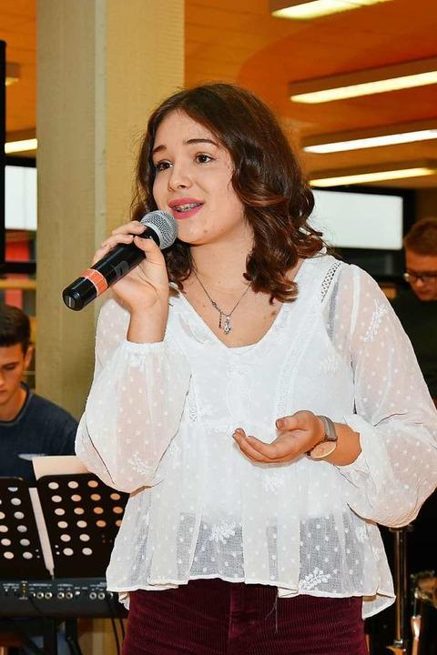 Der Auftritt der Sängerin Romina Daszynski  | Foto: Heinz und Monika Vollmar