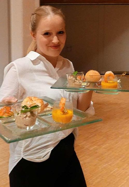 Köche aus Schopfheim und Zell verwöhnten die Gäste kulinarisch.    Foto: hege