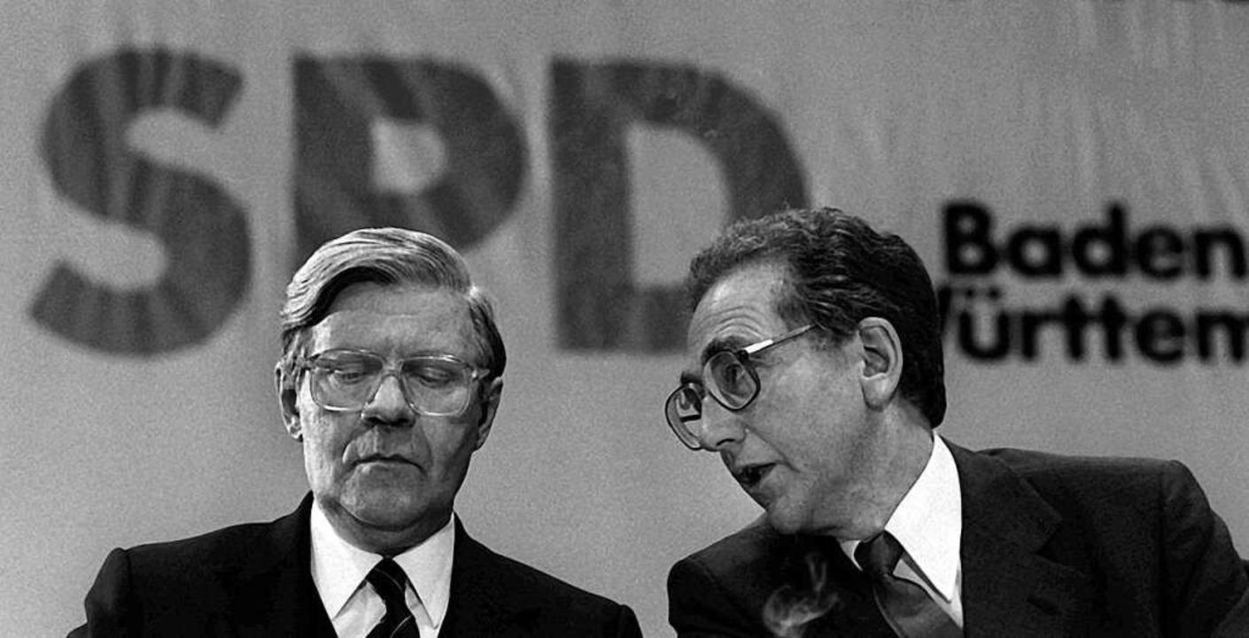 Widersacher: Schmidt und  Eppler (1980)  | Foto: Norbert Försterling (dpa)