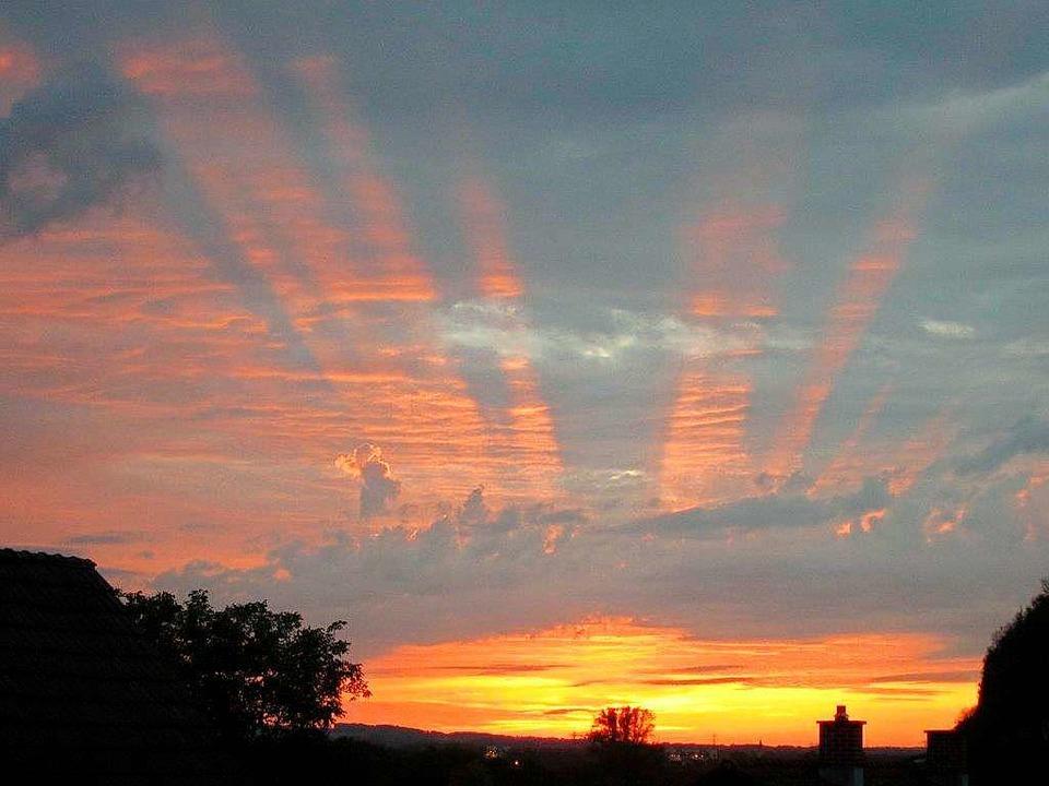 Sonnenuntergang bei Efringen-Kirchen.  | Foto: Walter Silbereisen