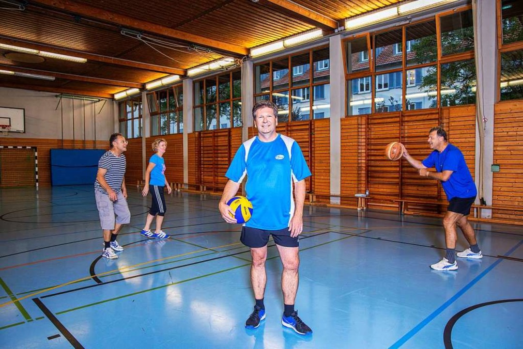 """""""Unsere Pfizer-Fitnessgruppe  ma...ager Finance bei  Pfizer in Freiburg.   