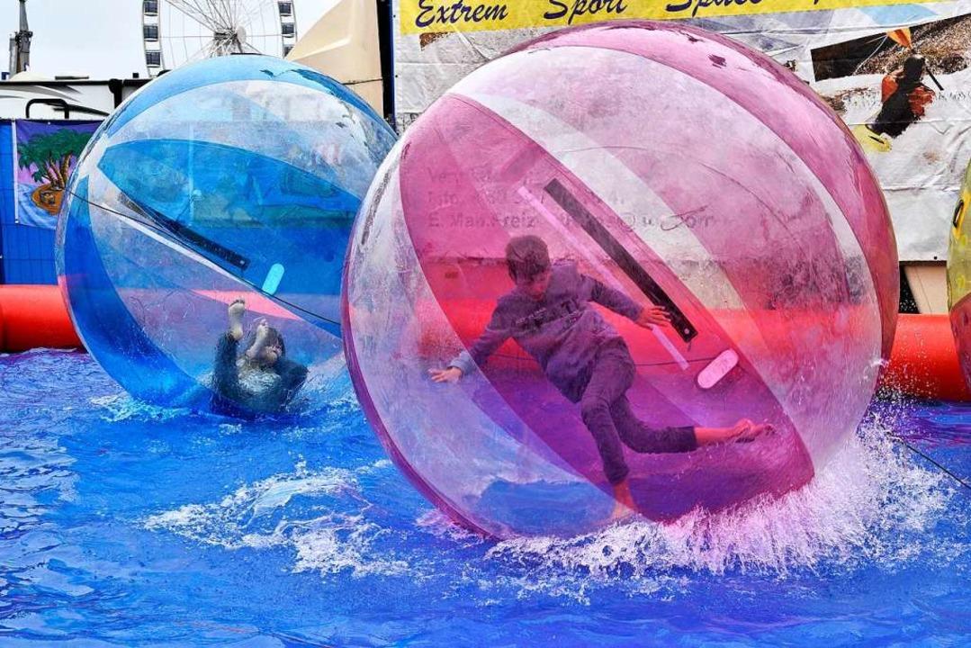 Auch in den Splash-Balls geht es rund.  | Foto: Thomas Kunz