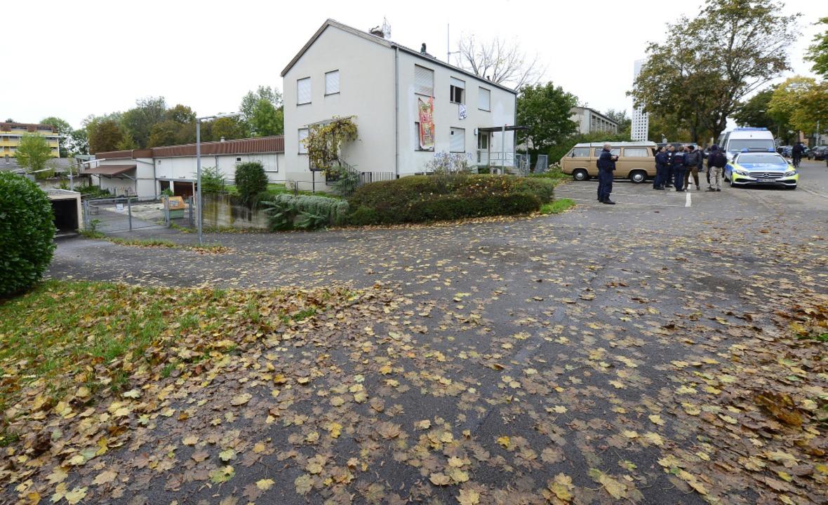 Das Haus in der Fehrenbachallee ist die ehemalige Kleiderkammer der Polizei.  | Foto: Ingo Schneider