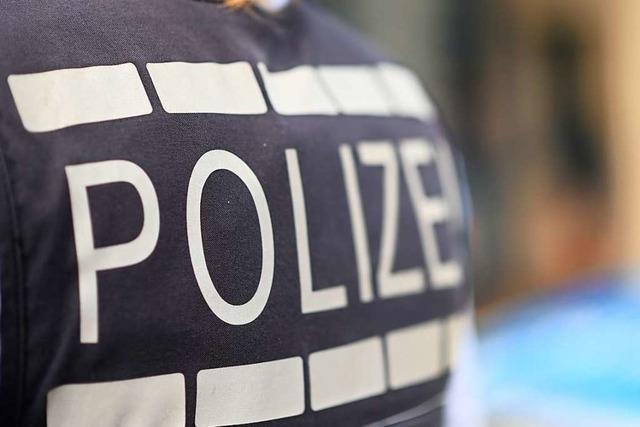 Fiat-Fahrer schiebt in Lörrach drei Fahrzeuge ineinander