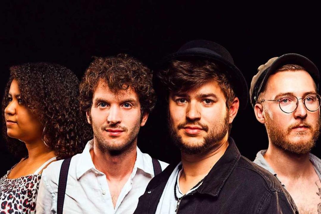 Nadine, Michael, Jojo und Max (von lin...nfang 2020 erscheint ihr erstes Album.  | Foto: Fuchsrot Media