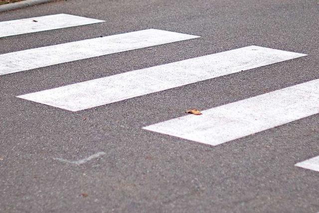 Auto fährt 19-Jährige bei Zebrastreifen an