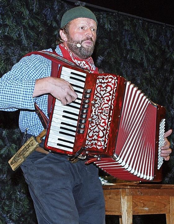 Martin Wangler in Aktion als Fidelius Waldvogel   | Foto: Michael Haberer