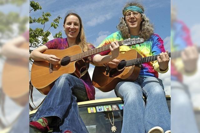 Duo Tina & Jo gibt Konzert beim Happy Herbsthock in Gerteiser's Spanferkelstube