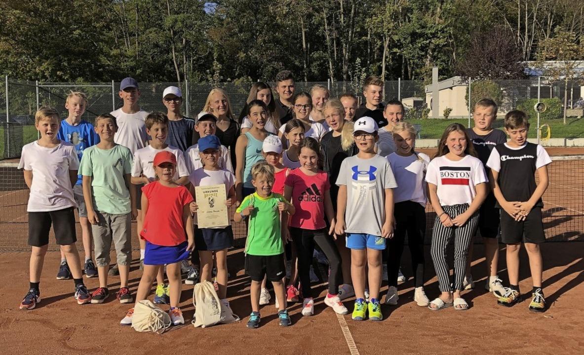 Zahlreiche Kinder beteiligten sich an ...ndclubmeisterschaften des TC Breisach.  | Foto: privat