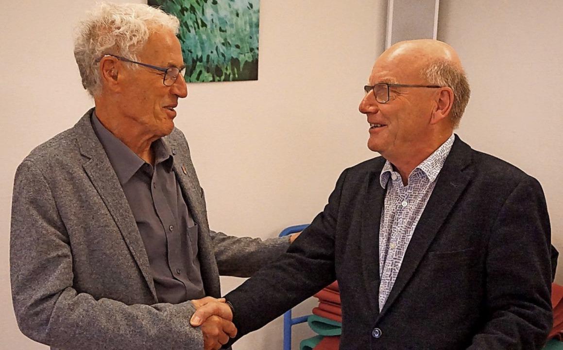 Der 75-jährige Wilfried Nagel (links) ...220;-Vorsitz an Jürgen Kießling (66).     Foto: privat