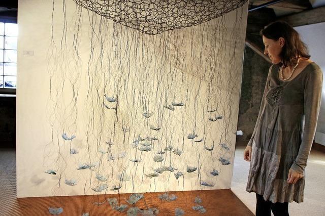 Monika Schmid aus Freiburg zeigt ihre vegetabilen Arbeiten in Lahr