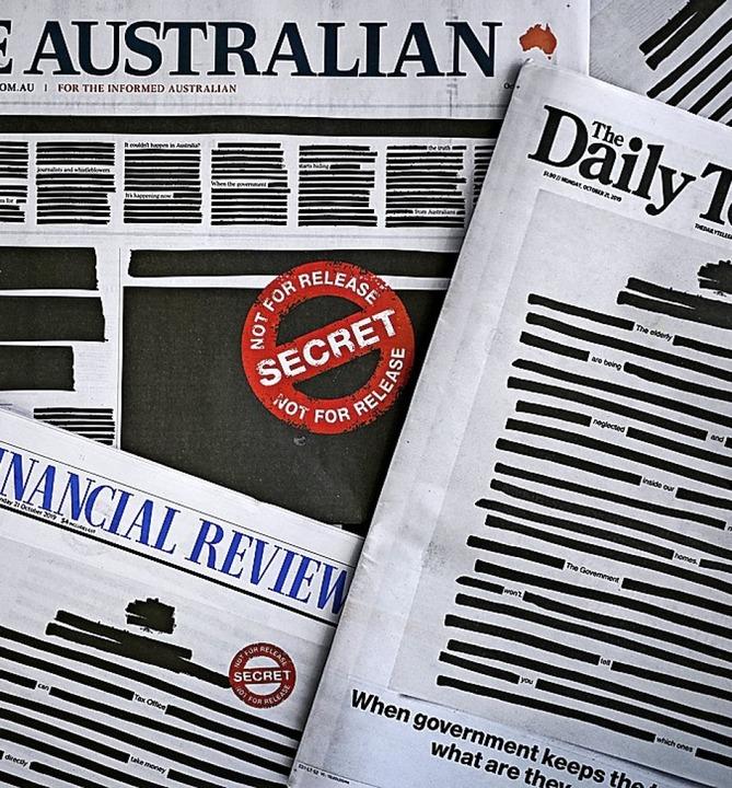 Viele australische Zeitungen erschienen mit zensierten Titelseiten.  | Foto: Lukas Coch (dpa)