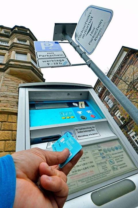 Autofahrer sollen die Parkautomaten ab Februar 2020 mehr füttern.  | Foto: Michael Bamberger