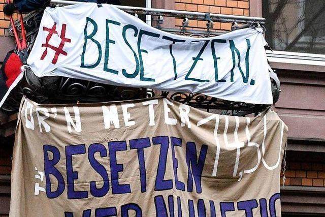 Polizei räumt besetztes Gebäude in Freiburg-Weingarten