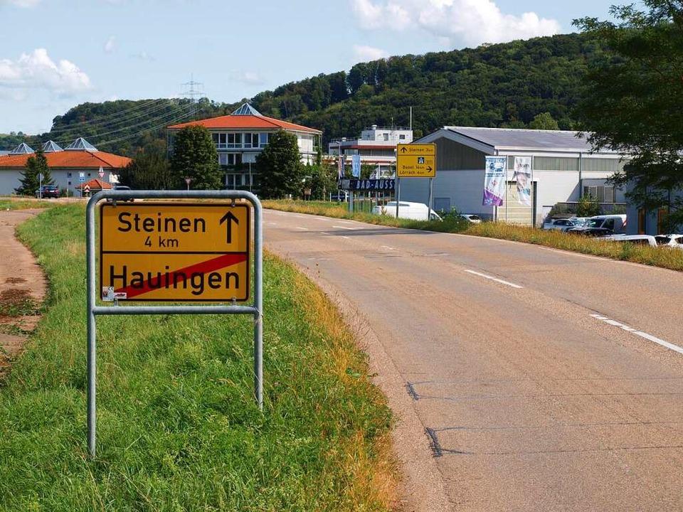 Das RP Freiburg hat den Planfeststellu...die Verlegung der Landstraße erlassen.  | Foto: Paul Schleer