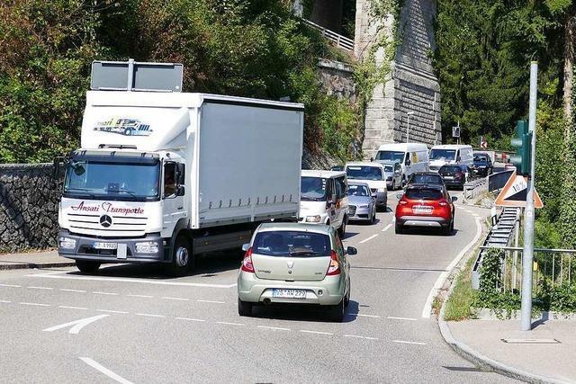 Landrat und Kreisräte in Waldshut hoffen auf baldigen Ausbau der A98