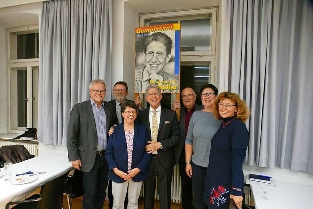 Der Gemeinderat hat Oberbürgermeister Müller verabschiedet − und ihm gratuliert