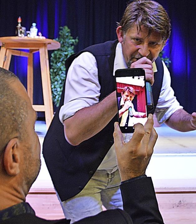 Kabarettist Volker Diefes in der Zarduna-Halle     Foto: Horatio Gollin