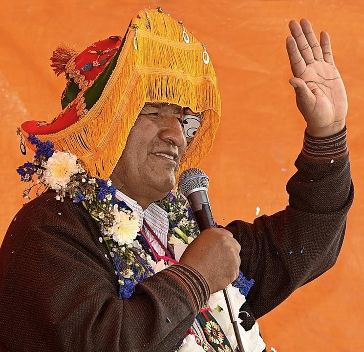 Evo Morales feiert seinen fragwürdigen Wahlsieg.    Foto: Enzo de Luca (dpa)