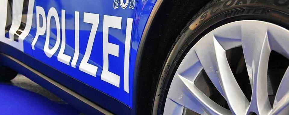 Ein Radfahrer wird in Basel von einem Lastwagen überrollt