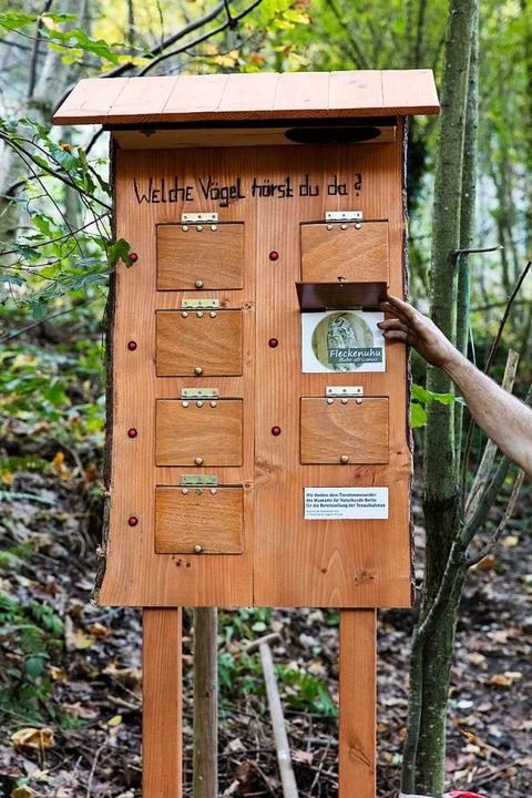 Die neue Vogelstimmen-Hörstation.    Foto: Gabriele Zahn
