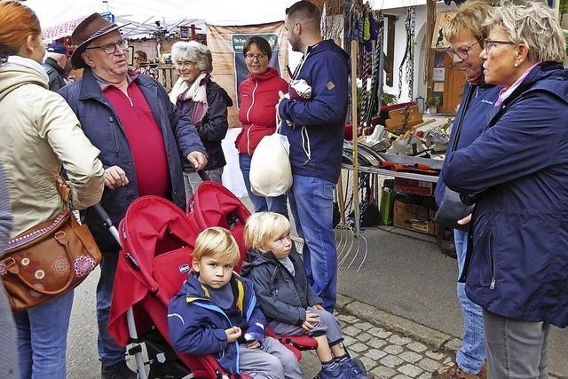 Besucher tauchen ins Dorfleben ein