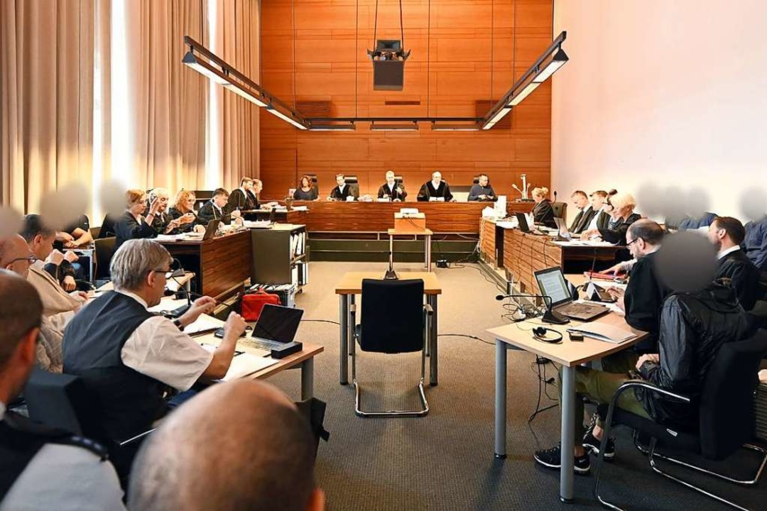 Am Mittwoch befragte das Gericht mehre...höre mit den Angeklagten. (Archivfoto)  | Foto: Patrick Seeger (dpa)
