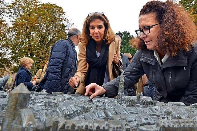 Bronzemodell zeigt Freiburgs Innenstadt aus der Vogelperspektive