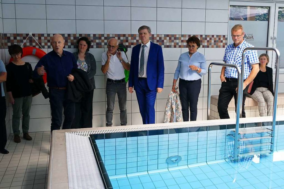 Das Schwimmbecken in der Rehaklinik Fe...Modernisierung wieder eröffnet worden.  | Foto: Ralf Morys