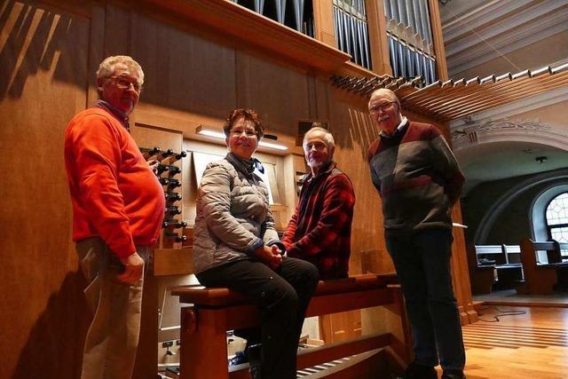 Männerstimmen treffen auf Orgeltöne