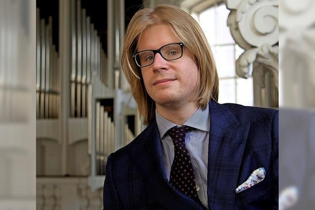 Organist Stéphane Mottoul improvisiert im Fridolinsmünster Bad Säckingen zum Stummfilm