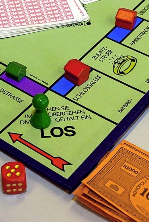 Gutachterausschüsse als Faktor im Immobilien-Monopoly: Was kosten Grundstücke?    Foto: Verwendung weltweit, usage worldwide