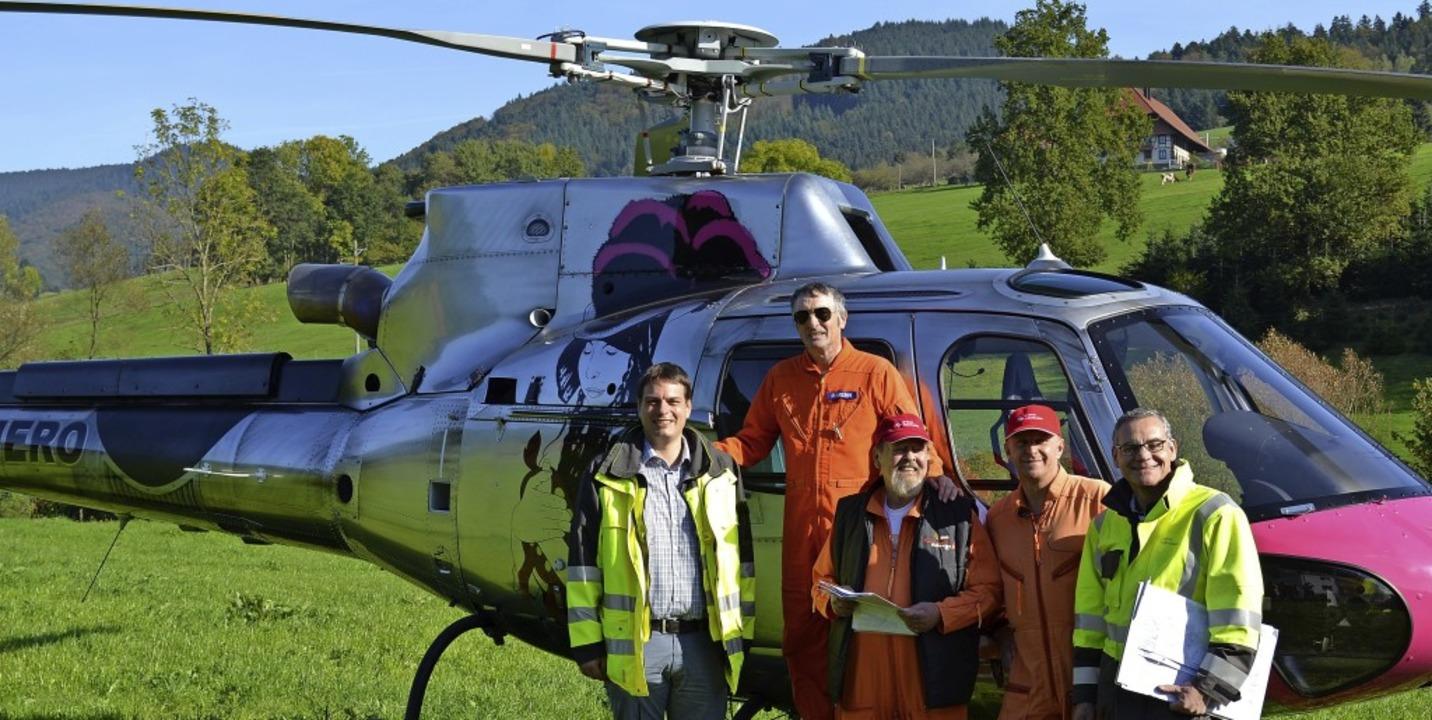 Gruppenbild mit Energiefliegern (von l...Daniel Isch und Edgar Brucker (Netze)     Foto: Harald Rudolf