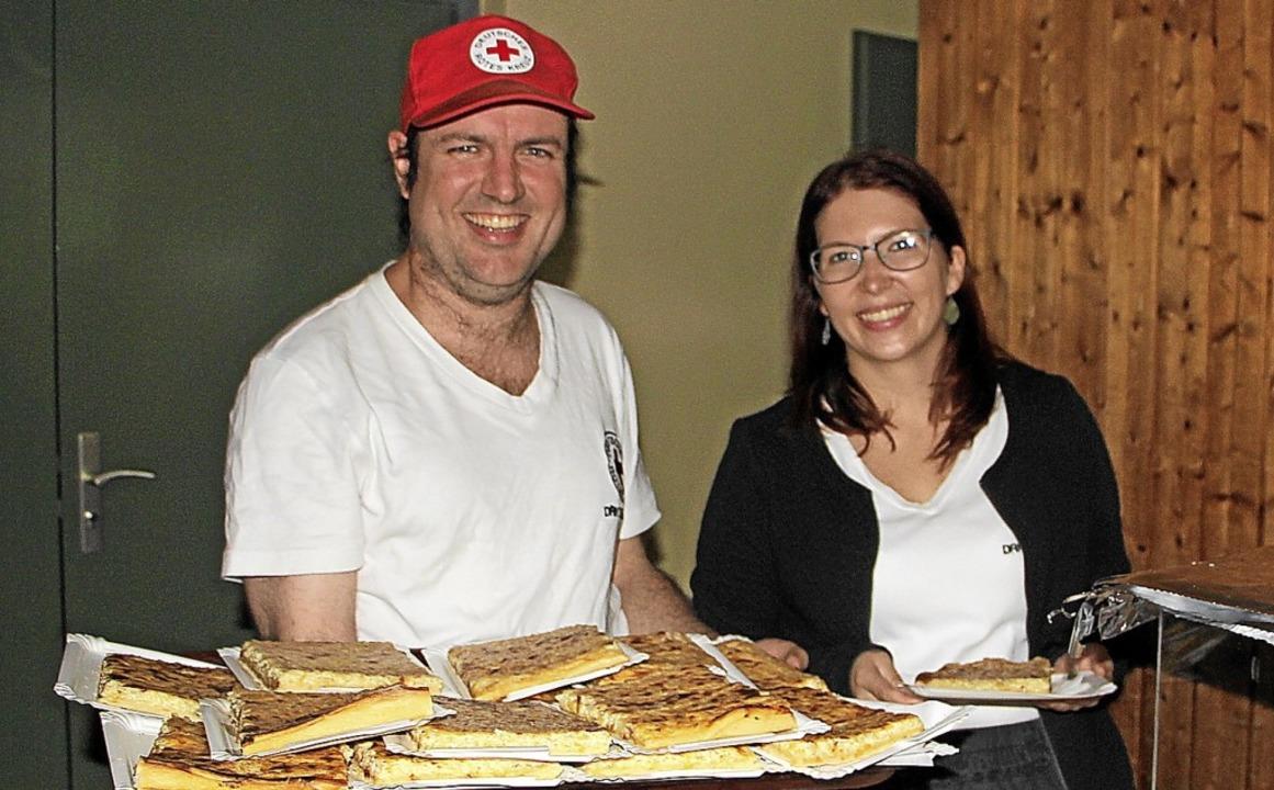 Nach eigenen Rezept wird der Zwiebelku...rn des DRK in Oberbergen hergestellt.     Foto: Herbert Trogus