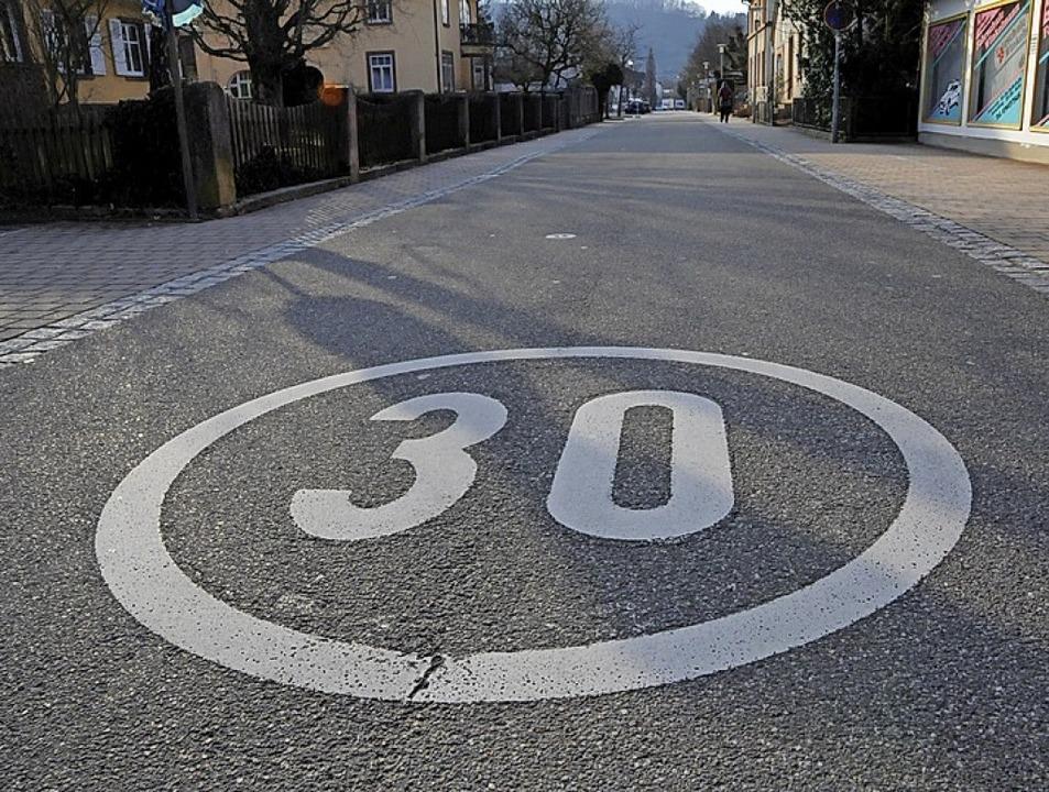 Die Gemeinde will weiterhin, dass in S...skern ein Tempolimit eingeführt wird.     Foto: Robert Bergmann