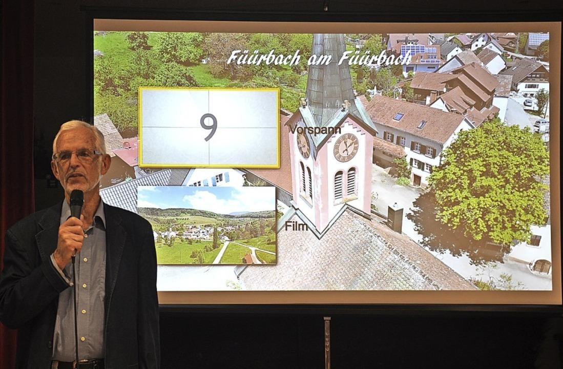 Filmer Dieter Heinzelmann kündigt seinen Feuerbach-Film an.    Foto: Jutta Schütz