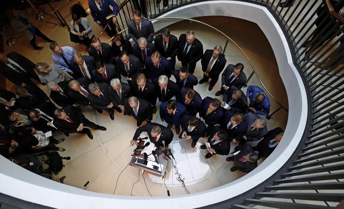 Pressekonferenz der Revoluzzer: US-Republikaner im Keller des Kongressgebäudes     Foto: Patrick Semansky (dpa)