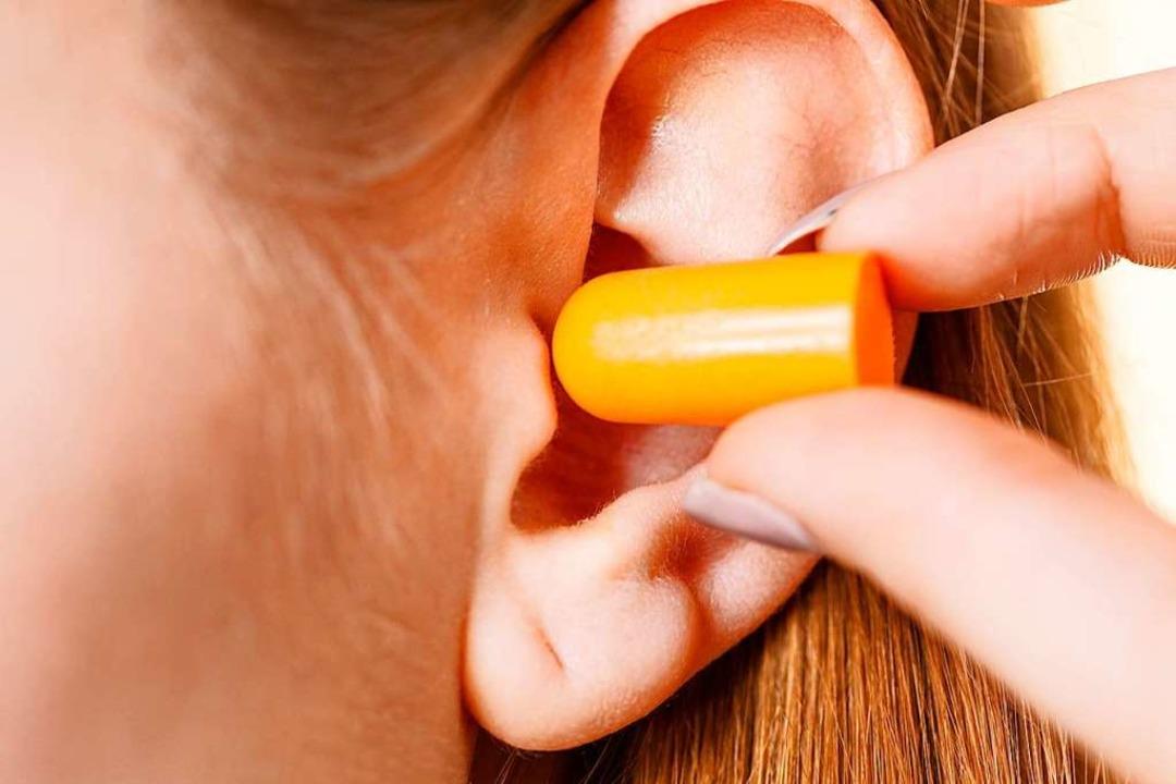 Ohrstöpsel können gegen Lärm helfen, sind aber im Alltag recht unpraktisch.  | Foto: anetlanda / stock.adobe.com