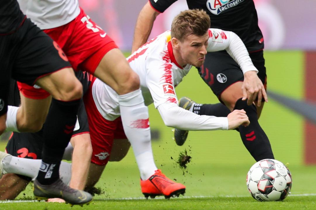 Muss sich im Spiel beim SC Freiburg wo...r Zuschauerrolle begnügen: Timo Werner  | Foto: Jan Woitas (dpa)